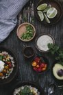 Mexikanische Burrito mit Cashew-Creme — Stockfoto
