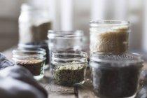 Различные кухонные ингредиенты — стоковое фото