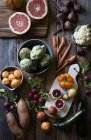 Свіжі фрукти та овочі — стокове фото