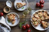 Gluten Free Tomato Pie with Basil - foto de stock