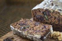Frosting walnut cake — Stock Photo