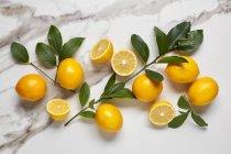 Citrons jaunes frais — Photo de stock