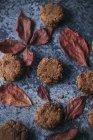 Beurre d'amande et biscuits au chocolat — Photo de stock