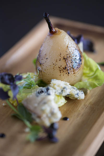 Birne und Blauschimmelkäse Nachtisch — Stockfoto