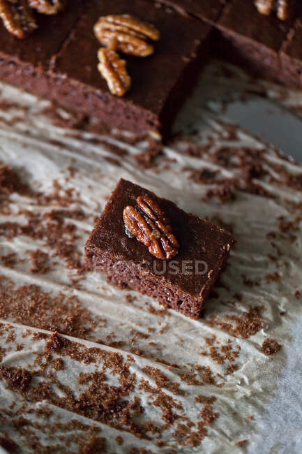 Schokoladen-Brownies mit Pekannüssen — Stockfoto