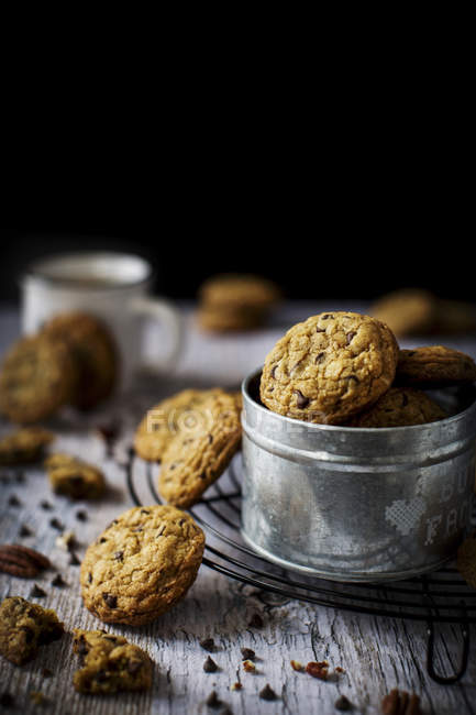 Chocolate chip cookies with pecan — Stock Photo