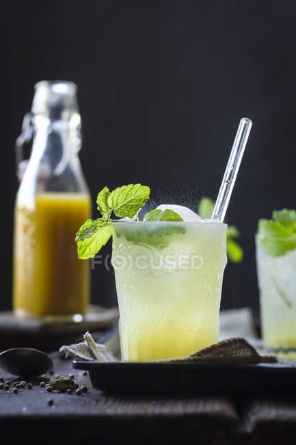 Mumbai Maultier Cocktail in Gläsern — Stockfoto