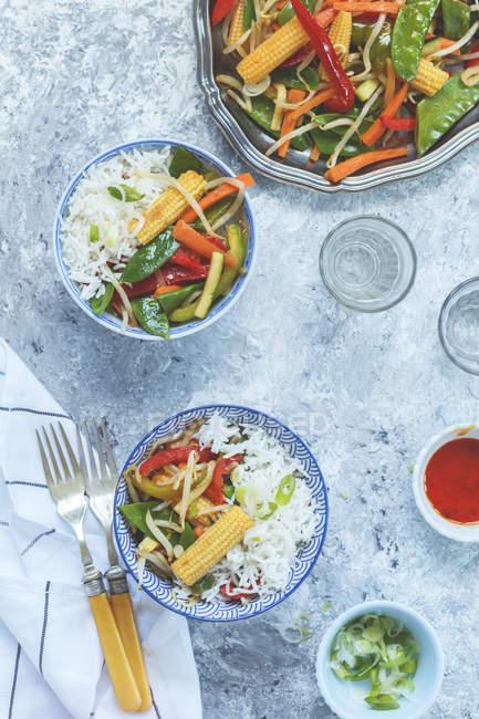 Размешайте жареные овощи — стоковое фото