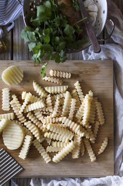 Сырой картофель — стоковое фото