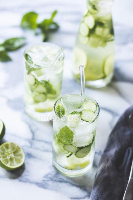 Grüne Sangria mit Melone — Stockfoto