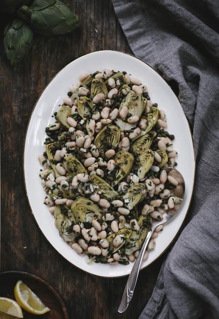 Geschmorter Baby-Artischocken-Salat — Stockfoto