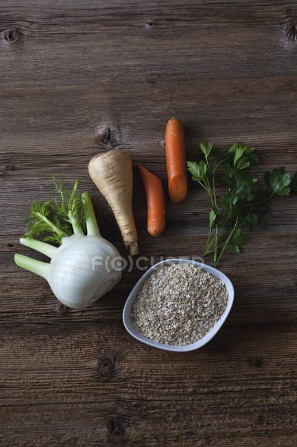 Ингредиенты для приготовления супа овес — стоковое фото