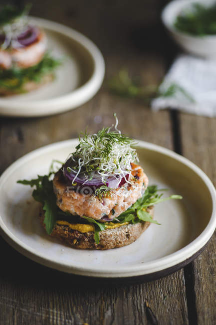 Salmon burgers for lunch — Stock Photo