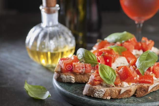 Bruschetta aux tomates italiennes — Photo de stock