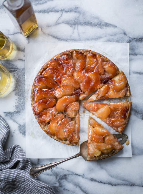 Caramel apple pie — Stock Photo