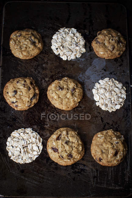 Cookies with raisins and almonds — Stock Photo