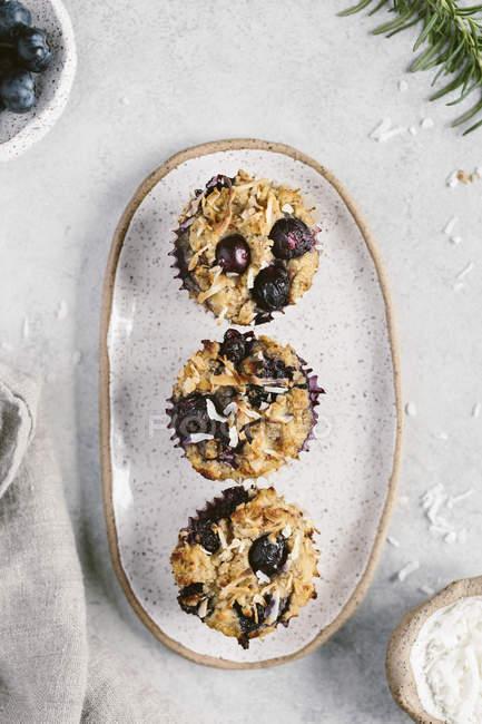 Muffins de arándanos sin harina - foto de stock