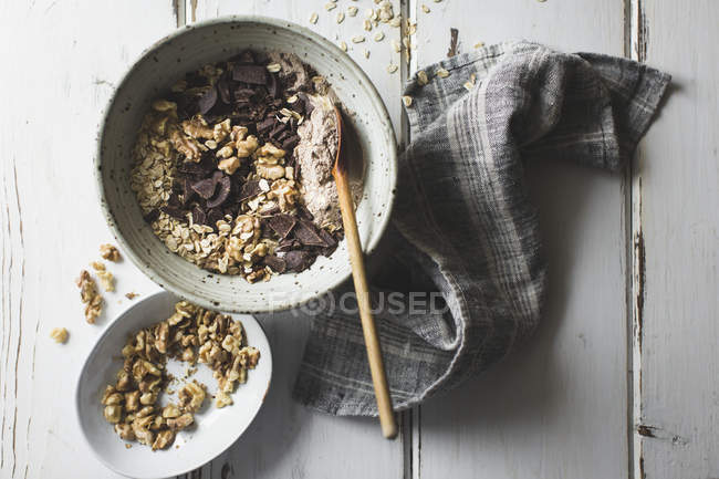 Oatmeal and chocolate chip cookies — Stock Photo