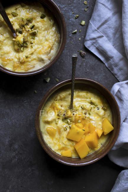 Yogurt fatto in casa mango — Foto stock