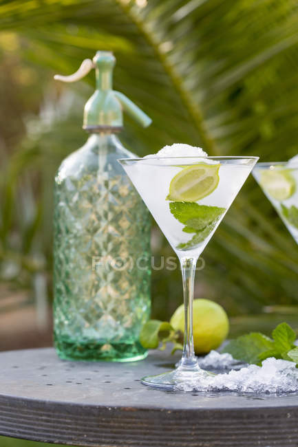 Cocktail glass with iced drink — Stock Photo