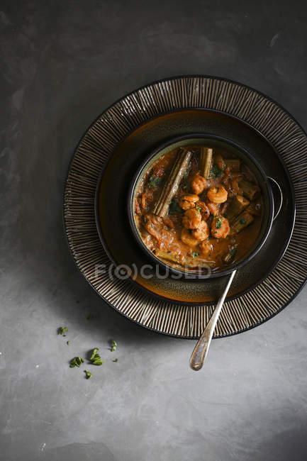 Würzig und scharf Garnelen und Trommelstock curry — Stockfoto