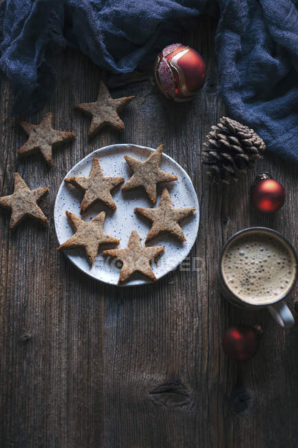 Almonds cinnamon Christmas cookies — Stock Photo