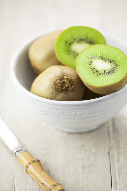 Fresh kiwi fruits — Stock Photo