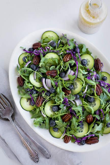 Pecanas com salada Feta e Arugula — Fotografia de Stock