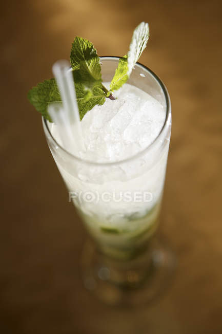 Mojito Cocktail on bar — Stock Photo