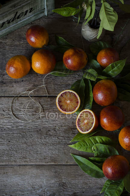 Blood oranges on table — Stock Photo