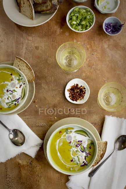 Red Lentil Cilantro Coconut Soup — Stock Photo