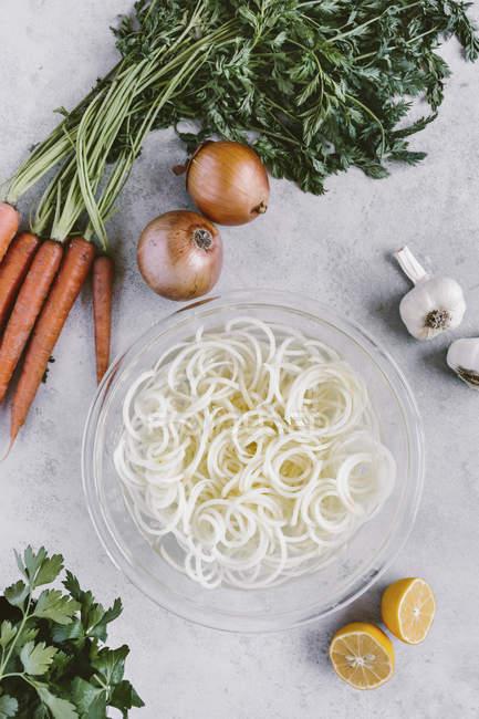 Картофельный суп куриный с лапшой — стоковое фото