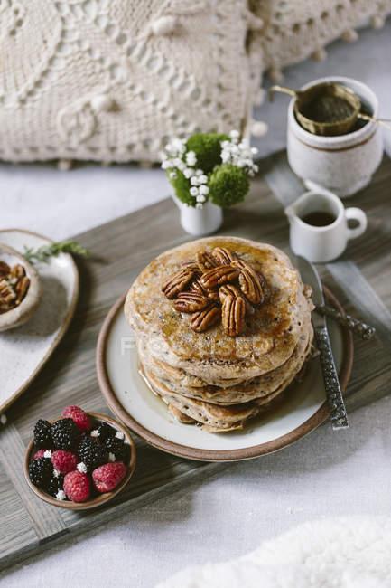 Pecan Pfannkuchen zum Frühstück — Stockfoto
