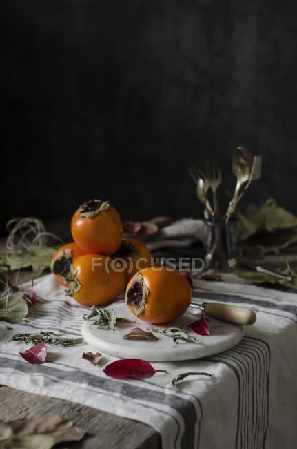 Свіжі стиглі persimmons — стокове фото