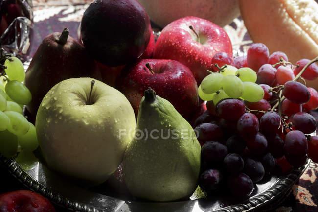 Свіжі стиглих фруктів — стокове фото
