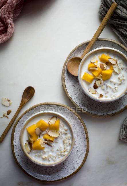 Сніданок вівсяна каша — стокове фото