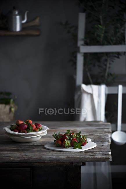Frische reife Erdbeeren — Stockfoto