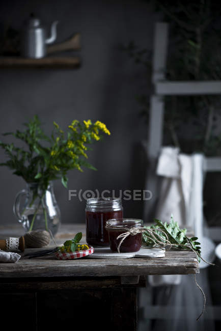 Homemade jam in jars — Stock Photo
