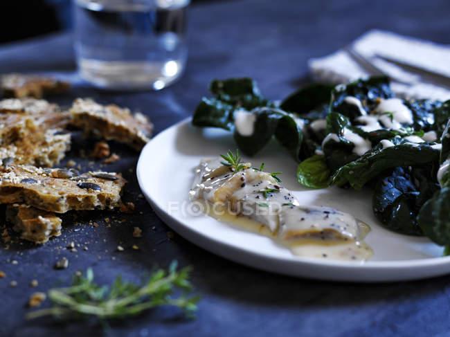 Aringhe marinate con salsa di senape — Foto stock