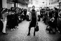 Ospite arriva il Paris Fashion Week — Foto stock