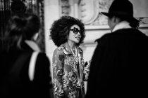 Bei Anreise an der Paris Fashion Week — Stockfoto