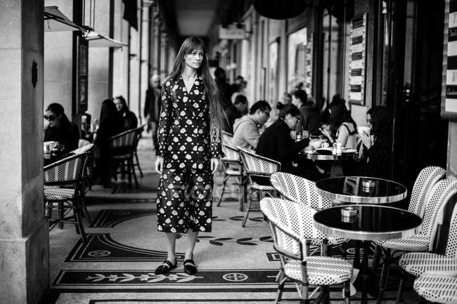 Guest standing at cafe — Stock Photo