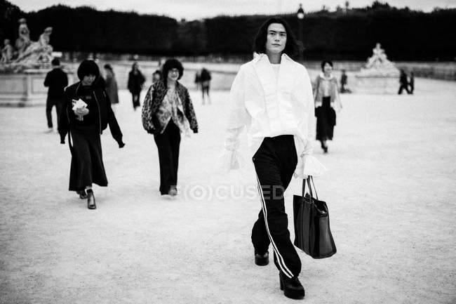 Gli ospiti in arrivo alla Paris Fashion Week — Foto stock