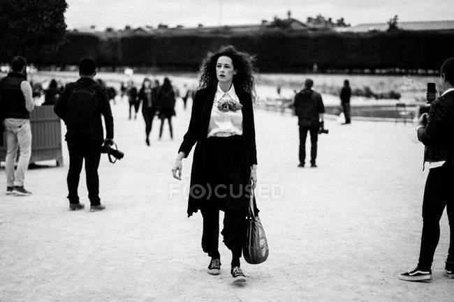 Ospite arriva alla Paris Fashion Week — Foto stock
