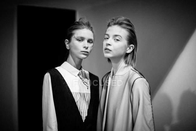 Modelos posando en la Semana de la Moda Ucraniana - foto de stock