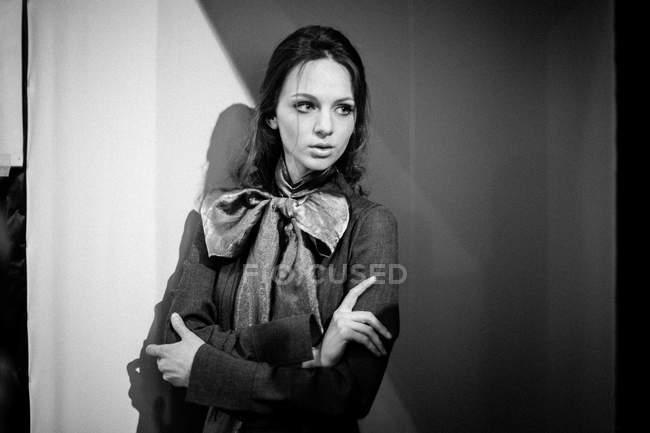 Modello in posa alla settimana della moda ucraina Backstage — Foto stock