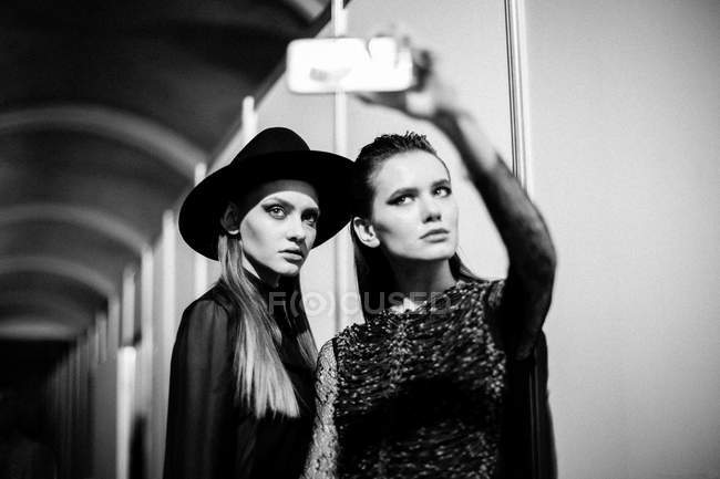Models posing at Ukrainian Fashion Week Backstage — Stock Photo