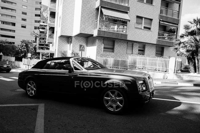Bentley na rua de Monaco — Fotografia de Stock