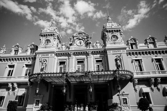Entrada no Monte Carlo Casino — Fotografia de Stock
