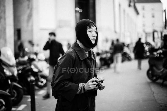Guest arrives on Paris Fashion Week — Stock Photo